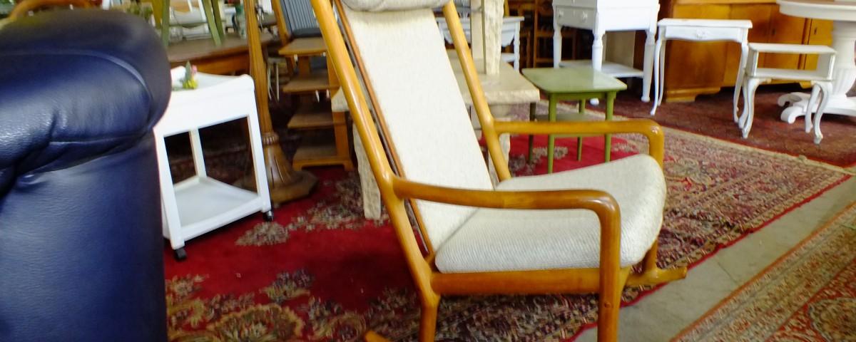 mid century design vintage teakholz m bel zeitlos. Black Bedroom Furniture Sets. Home Design Ideas