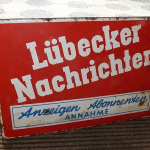 Emaille Lübecker Nachrichten Werbeschild um 1950